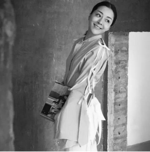 王凯丽喜登首届艺术互联网人气榜——2016年度非常人物 王凯丽kellywang最新动态 上海seo第3张